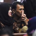SUAP HAKIM PTUN Medan : Terbukti Menyuap, Gatot-Evy Cuma Divonis 3 dan 2,5 Tahun Penjara