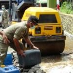 MIRAS SEMARANG : Satpol PP Musnahkan Ratusan Botol Minuman Keras di Ungaran