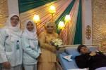 KISAH INSPIRATIF : Meski Kaki Calon Suami Diamputasi, Perempuan Ini Tetap Bersedia Dinikahi