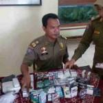 CUKAI ROKOK SRAGEN : Tim Gabungan Sita 2.000 Bungkus Rokok Tak Bercukai