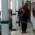 KEKERASAN TERHADAP ANAK : Pengarak Siswi Telanjang di Sragen Dituntut 3 Tahun Penjara