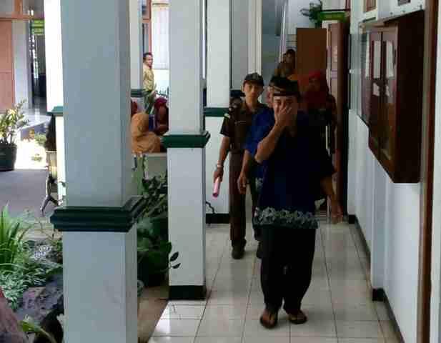 KEKERASAN TERHADAP ANAK : Keluarga Pengarak Siswi Telanjang Terancam 10 Tahun Penjara