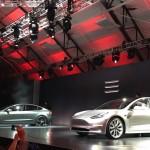 Menakjubkan, Begini Cara Robot-Robot Garap Mobil Listrik Tesla