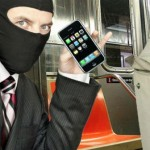 Pencurian Solo: Maling Ponsel Tertangkap di WC Umum