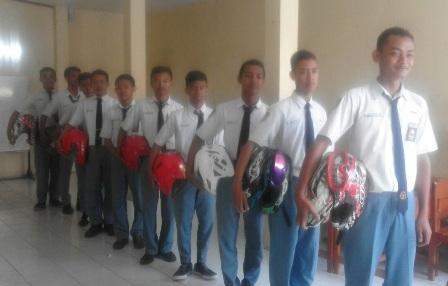 SEKOLAH KARANGANYAR : SMK Muhammadiyah 3 Jadi Pelopor Sekolah Safety Riding Mandiri