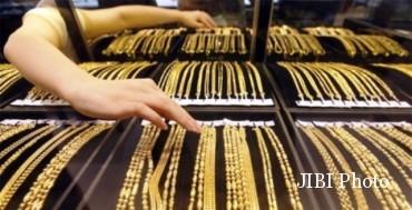 Memoles Perhiasan Lama Terlihat Gilap Seperti Baru, Catat Tipsnya!