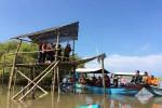 PELESTARIAN LINGKUNGAN : 50 Kg Kroyo Disebar di Hutan Bakau, Panen untuk Warga