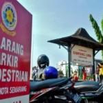 PARKIR SEMARANG : Netizen Gunjingkan Parkir di Jalur Pedestrian Semarang