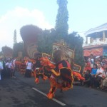 Penari reog beraksi di Kercopan Art Festival di Jl. Bathoro Kathong Ponorogo, Sabtu (21/5/2016) sore. (Abdul Jalil/JIBI/Madiunpos.com)