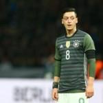 PIALA EROPA 2016 : Dapat Kritik, Ozil Tutup Telinga