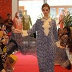 FASHION SHOW : Pesona Batik Danar Hadi dalam The Beauty of Ramadhan