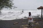 Gelombang Laut Selatan Masih Tinggi, Nelayan dan Wisatawan Harus Waspada