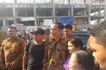 AGENDA PRESIDEN : Jokowi Sibuk Layani Warga Berfoto Bersama