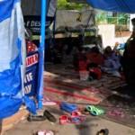 DEMO BURUH : Dirikan Tenda, Karyawan PT Nyonya Meneer Andalkan Belas Kasihan