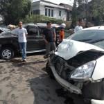 KECELAKAAN KARANGANYAR : 1 Bus dan 2 Mobil Bertabrakan, 2 Terluka