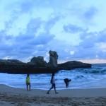WISATA PACITAN : Warga Sragen Raib Diterjang Gelombang Pantai Klayar