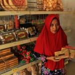 KULINER PONOROGO : Pembeli Serbu Oleh-Oleh Khas Kota Reog