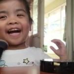 TRENDING SOSMED : Bikin Gemas! Gadis Cilik Ini Peragakan Tutorial Make Up