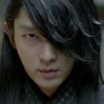 DRAMA KOREA : Pakai Masker Wajah di Scarlet Heart, Lee Joon Gi Sering Pusing