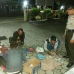 PERJUDIAN PONOROGO : Gerebek Rumah Warga, Polisi Tangkap 5 Pejudi