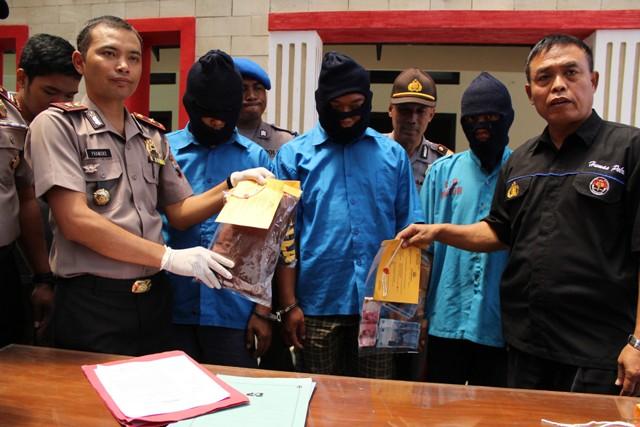 PENCABULAN KARANGANYAR : 3 Pria Setubuhi ABG Mojogedang di Vila Sekipan