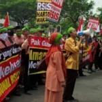 POLEMIK RSIS : 300 Karyawan RS Yarsis Beraksi di Kantor Gubernur Jateng