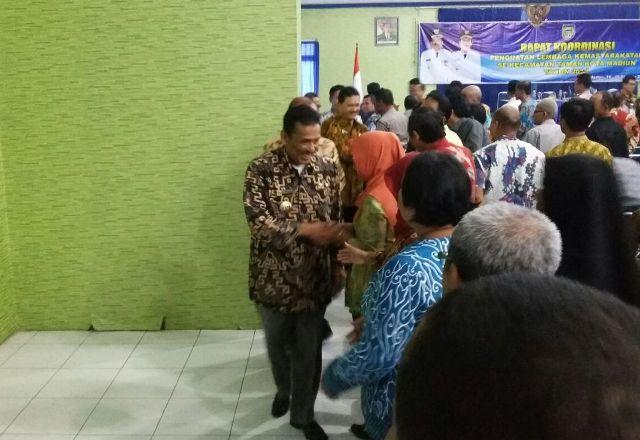 KORUPSI MADIUN : Istri dan Anak Wali Kota Madiun Shock