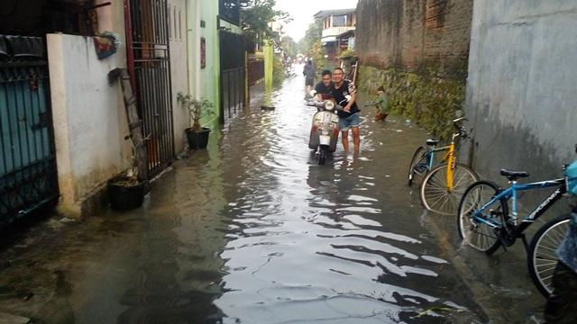 BANJIR SOLO : Makin Parah, Rumah Terendam Banjir di Joyotakan Tambah Jadi 44