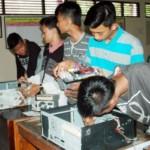 KAMPUS DI SEMARANG : Dosen Udinus Berdayakan Anak Putus Sekolah