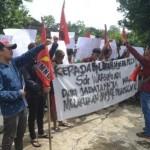 DEMO SUKOHARJO : Tuntut Perdes Dipecat, Warga Manisharjo Kembali Berdemo
