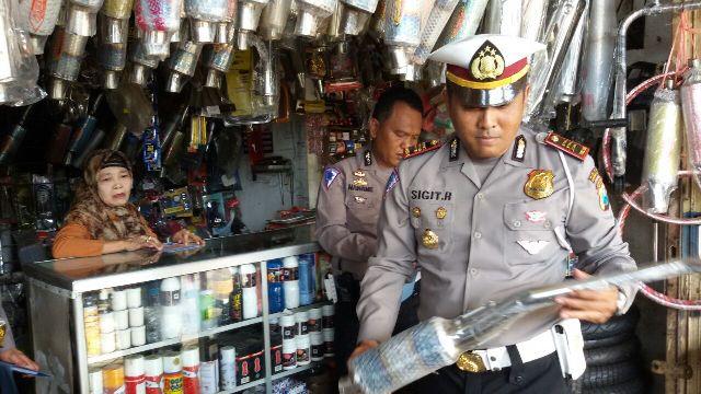 Polisi Madiun Larang Bengkel Motor Jual Knalpot Brong