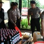 MIRAS SALATIGA : Operasi Cipta Kondisi Polres Salatiga Rampas Ratusan Botol Miras