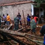 BENCANA MADIUN : Puting Beliung Terjang Mejayan, 1 Rumah Roboh