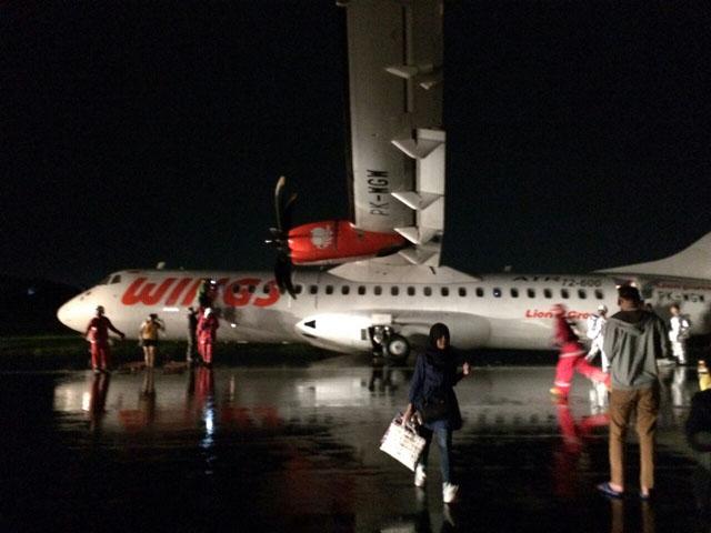 KECELAKAAN PESAWAT :  Begini Kata Angkasa Pura Soal Wings Air Tergelincir di Bandara Ahmad Yani