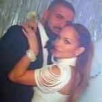 Makin Mesra, J.Lo Cium Drake di Depan Umum