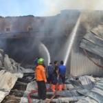 KEBAKARAN SUKOHARJO : Setelah 8 Jam, Api di Pabrik Tripleks Nguter Akhirnya Padam