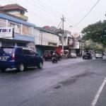 LALU LINTAS SEMARANG : Jalan Searah Bikin Anjlok Omzet Pedagang
