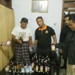 MIRAS TRENGGALEK : Awal 2017, Polres Trenggalek Sita Puluhan Botol Miras