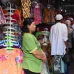 HAUL HABIB ALI SOLO : Batik dan Intip di Pasar Darurat Klewer Laris Manis