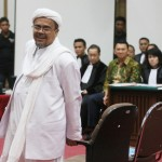 Pemimpin Front Pembela Islam (FPI) Rizieq Shihab saat mengikuti di Gedung Kementerian Pertanian, Jakarta Selatan, Selasa (28/2/2017). (JIBI/Solopos/Antara/Pool/Ramdani)