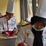 Sejumlah siswa mengikuti uji kompetensi keahlian Tata Boga di SMK Negeri 1 Bawen, Kabupaten Semarang, Jateng, Selasa (21/2/2017). (JIBI/Solopos/Antara/Aditya Pradana Putra)