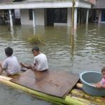 BENCANA KUDUS : Banjir Belum Surut, Disdik Antar Jemput Pelajar