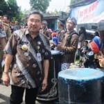 FOTO PILKADA SALATIGA : Plt. Wali Kota ke TPS 8 Mangunsari