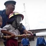 FOTO KEBAKARAN SEMARANG : Pemadaman Api Disimulasikan di TK