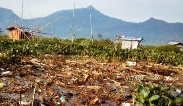 KEBERSIHAN SEMARANG : Menjijikkan! Bagian Rawa Pening Ini Penuh Sampah