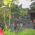 ANGIN KENCANG KARANGANYAR : Dihantam Lisus, Puluhan Rumah di Colomadu Rusak