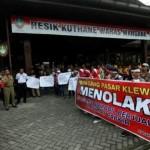 PASAR KLEWER : Tolak Pedagang Bermobil, HPPK Demo di Balai Kota