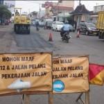 INFRASTRUKTUR KARANGANYAR : Kerusakan Jl. Adi Soemarmo Menuju Bandara Mulai Diperbaiki