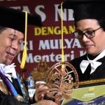 FOTO KAMPUS DI SEMARANG : Sri Mulyani Peroleh Upakarti Unnes