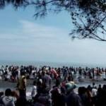WISATA KENDAL : Pengunjung Duga Ada Pungli di Pantai Ngebum
